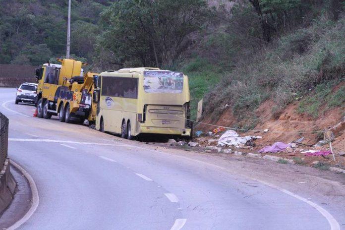 Sobe para 7 o número de vítimas fatais de acidente com ônibus que seguia da BA para SP